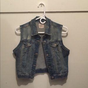 Womens denim crop vest (size XL)